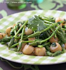 cuisine asperge poêlée de pétoncles aux asperges vertes sauvages les meilleures