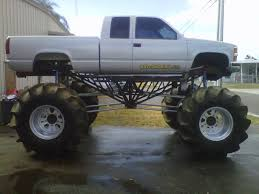 Mega Mud Trucks - Google Zoeken | Lifted Trucks | Pinterest | Trucks ...