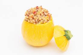 cuisiner la courgette jaune courgette jaune farcie au quinoa thermostat7