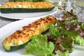 recette courgettes farcies crumble de mimolette cuisinez