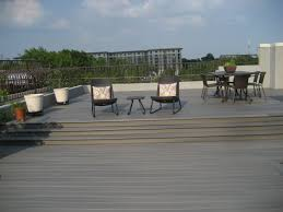 rooftopdeck in fiberon composite decking the color is protect