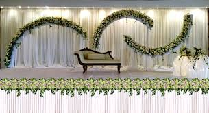 Clean White Color Decoration Wedding Stage 30 Ideas