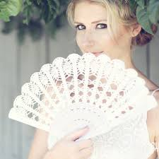 Amazoncom White Wedding Hand Fan Bridal Gift Bouquet Alternative