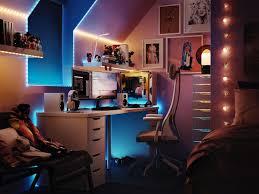 modernes jugendzimmer mit gaming und arbeitsbereich ikea