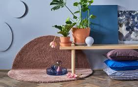 zauberhafte wohnzimmer deko für den frühling ikea