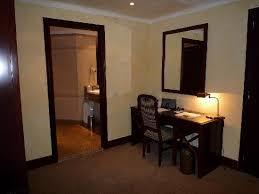 le petit bureau le petit bureau à l entree picture of le meridien barcelona
