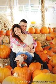 Wheatfield Pumpkin Patch by Pumpkin Patch Photo Shoot Fall Pictures Happy Couples Www