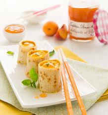 cuisine maman makis de crêpes à la confiture abricots pêches bonne maman les