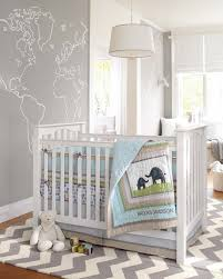 chambre enfant gris et idée déco chambre bébé sympa et originale à motif d éléphant