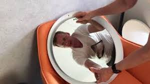 philips hue adore badezimmerspiegel ausgepackt