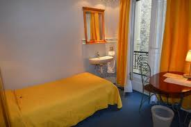 hotel ile de avec dans la chambre chambre d hôtel avec lavabo hotels for rent in île de