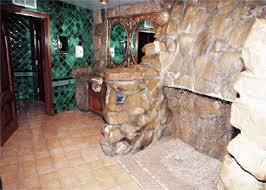 the men s restroom at the madonna inn photo credit madonn flickr