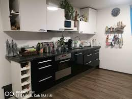 ikea küche mit geräten schwarz wiess hochglanz