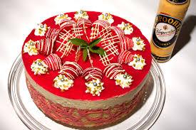 erdbeer eierlikörtorte mit weisser schokolade und pistazien white chocolate strawberry