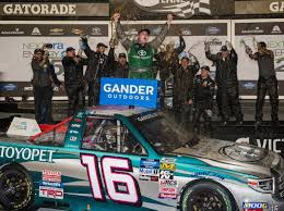 100 Truck Series Hill Survives War Of Attrition Wins Opener SPEED SPORT
