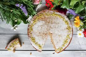 gesunder veganer karottenkuchen glutenfrei backen mrs flury