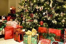 Xmas Tree Waterer by How To Keep A Christmas Tree Fresh Bob Vila