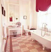 romantisches badezimmer in rosatönen mit bild kaufen