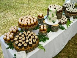 Log Slice Unique And Rustic Wedding Cake Cupcake Display