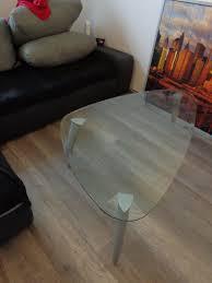 glastisch eckig mit grauen metallbeinen vb
