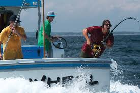 Wicked Tuna Outer Banks Boat Sinks by 100 Wicked Tuna Outer Banks Boat Sinks Sinking Boat After