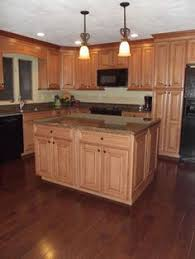 Maple Spice With Mocha Glaze Cabinets And Tropical Tan Granite
