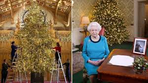 Christmas Has Arrived For The Queen Her 20ft Tree Erected At Windsor Castle