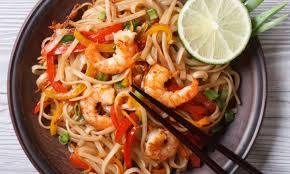 cuisine thailandaise recette recette de pad thaï savoureuse et facile à préparer trucs pratiques