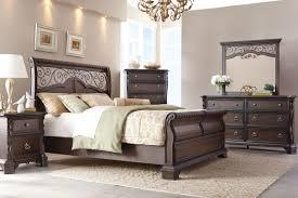 Gardner White Bedroom Sets by Elvira 5 Piece Queen Bedroom Set With 32