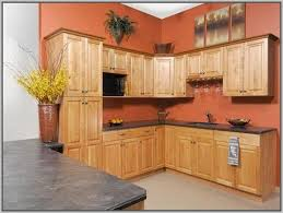 kitchen color schemes with light brown cabinets painting 26347