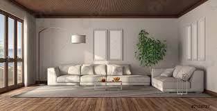 foto auf lager minimalistisches weißes wohnzimmer mit holzdecke