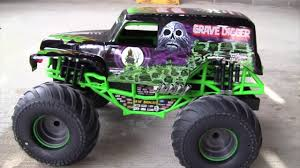 NEW BRIGHT RC Monster Jam GRAVE DIGGER Backflip Stadium Experience ... New Bright Rc Monster Jam Truck Grave Digger Toysrus 124 Ff Twin Pack Colors And Styles Rc Trucks Youtube Radio Control 18 Scale W Buy El Toro 115 40mhz Amazoncom Sf Hauler Set Car Carrier With Two Mini Walmartcom 110 24 Ghz Grave Digger Kids Toy