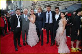 Cast Of Halloweentown by Anthony Hopkins Joins Mark Wahlberg U0026 U0027transformers U0027 Cast At