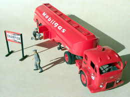 File:Revell White-Fruehauf Mobilgas Gas Truck.jpg - Wikimedia Commons Revell Peterbilt 359 Cventional Tractor Semi Truck Plastic Model Free 2017 Ford F150 Raptor Models In Detroit Photo Image Gallery Revell 124 07452 Manschlingmann Hlf 20 Varus 4x4 Kit 125 07402 Kenworth W900 Wrecker Garbage Junior Hobbycraft 1977 Gmc Kit857220 Iveco Stralis Amazoncouk Toys Games Trailer Acdc Limited Edition Gift Set Truck Trailer Amazoncom 41 Chevy Pickup Scale 1980 Jeep Honcho Ice Patrol 7224 Ebay Aerodyne Carmodelkitcom