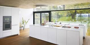 cuisine d exposition bulthaup les surfaces sont en vernis blanc