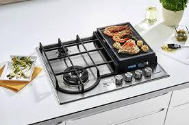 plaque cuisine gaz la plancha s incruste sur la table de cuisson gaz darty vous