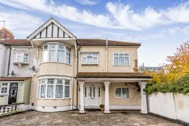 Portico 6 Bedroom House for sale in Gants Hill Lonsdale