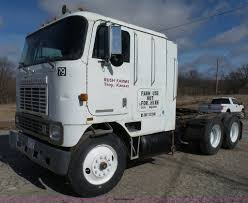 1985 International 967 Semi Truck | Item J7312 | SOLD! Febru... 2008 Kenworth T800 Oil Field Truck For Sale 16300 Miles Sawyer Mack Trucks Wikipedia Midway Ford Center New Dealership In Kansas City Mo 64161 Commercial Rental Nikola A Tesla Competitor Scores Big Electric Truck Order From 2019 E350 Kuv Valley Fab And Repair Pin By Us Trailer On Pinterest Moving Rentals Budget 9400 Archives Sunday