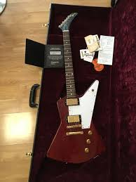 100 Gibson Custom Homes 2018 Shop 58 Explorer Clapton Cut Heavy Aged Faded Cherry COACase