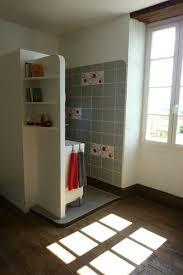 salle d eau chambre la salle d eau est ouverte sur la chambre photo de le couvent