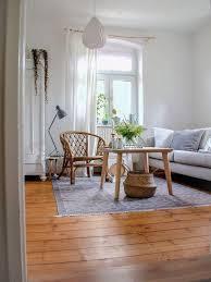 livingroom wohnzimmer interior holzboden rattan