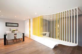 astuce pour separer une chambre en 2 13 astuces pour délimiter différents espaces dans une pièce ouverte