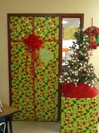 56 best christmas decorations images on pinterest christmas door