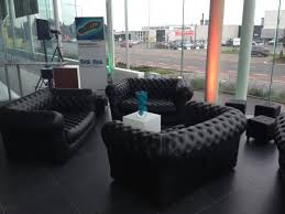 canapé gonflable chesterfield location canape gonflable chesterfield à louer sur rentiteasy