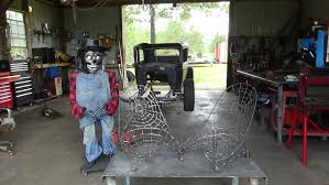 Red Gets A Glimpse At The Spider Web Rat Rod Seats : RatRod