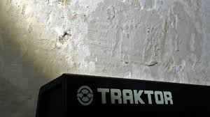 Traktor Remix Decks Vs Ableton by Traktor Dj U2013 Pinchplant