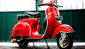 These Vintage Vespa Wallpapers Are Just Too Fascinating Today
