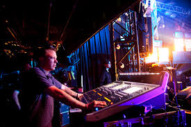 Smashing Pumpkins Drummer Mike Byrne by The Smashing Pumpkins Brings Crushing Big Sound To Small Us Venues