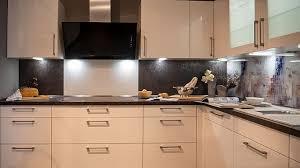 auststellung verschiedener küchen küchencentrum holtmann
