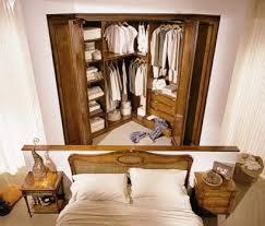 ankleidezimmer für das schlafzimmer aus naturholz armadio moletta mobili
